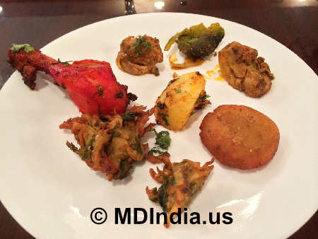 Pakora, Tandoori Chicken image  image © MDIndia.us