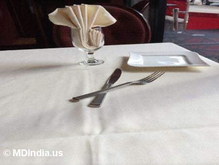 Kadhai Bethesda Table © MDIndia.us