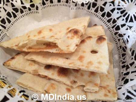 Spice Xing Rockville Naan Bread © MDIndia.us