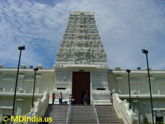 siva vishnu temple image © MDIndia.us